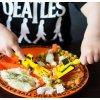 Zestaw koparkowy dla dzieci - zabawa podczas jedzenia