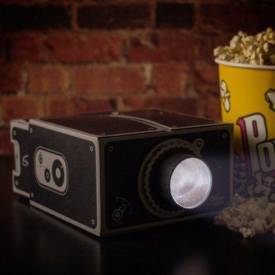 Projektor filmów na smartfona - Twoje podręczne kino