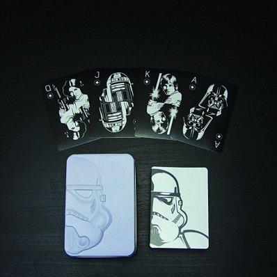 Karty do gry Star Wars - doskonały czarno-biały design, postaci ze starej Trylogii, blaszane etui.
