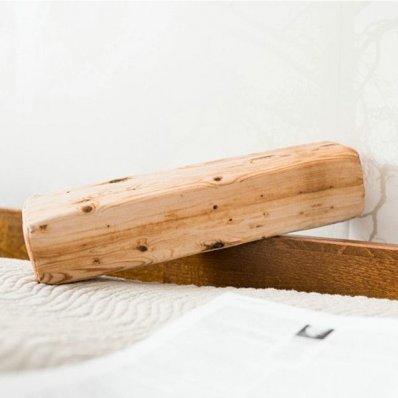 Poduszka Belka - doskonały design prawdziwego drewniane klocka
