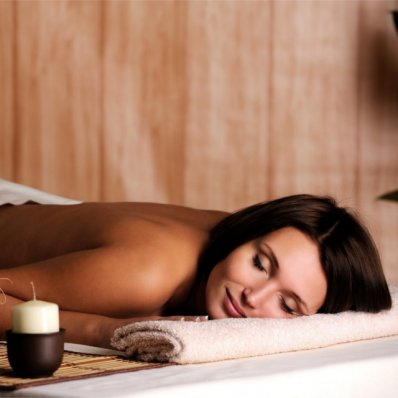 Masaż aromaterapeutyczny - ze starannie dobranymi olejkami eterycznymi
