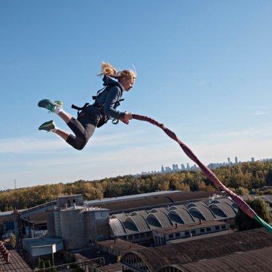 Dream Jump - ekstremalne skoki z wykorzystaniem specjalnego systemu lin i bloczków