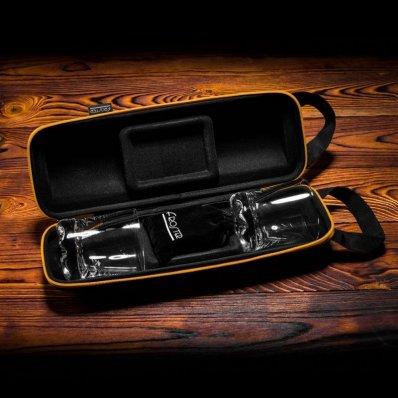 Podróżny Zestaw Konesera Whisky - dwie wysokiej klasy szklanki, 9 kamiennych kostek do mrożenia, zamknięte w solidnym etui.