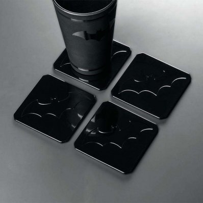 Metalowe Podstawki Batmana - zestaw 4 podkładek z wysokiej jakości stali, ze znakiem Batmana.
