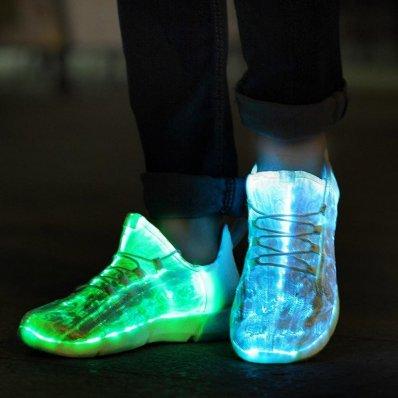 Świecące buty LED