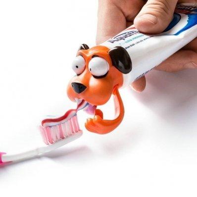 Pies Strażnik Zdrowych Zębów