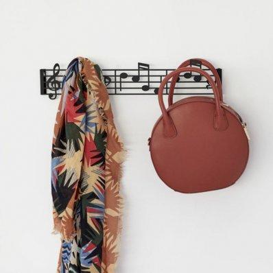 Muzyczny wieszak na ubrania