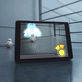 BB-8 przesyłający holograficzną wiadomość